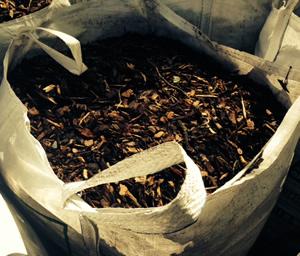 wood chip bark great for suppressing weeds garden. Black Bedroom Furniture Sets. Home Design Ideas